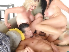 Threesome with Leah Lamour and Rita Daniels