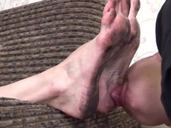 Ultra dirty feet cleaning