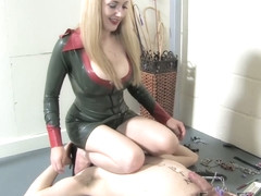Clamping Torment - KINK