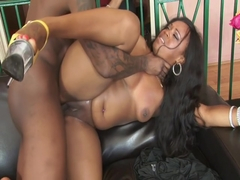 Thick Ebony Skank Jayden Starr Gets Deep Dicked