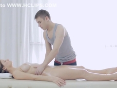 Hot gf demonstrates oiled body