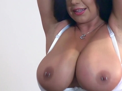 Lonesome stepmom Sheridan Love needs a kinky excitiment