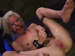 Hairy Slave Xxx Halle Von Is In Town On Vacation With Her Bo