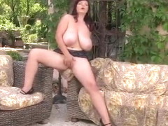 Awesome breasty Joanna Bliss haning an incredible masturbation