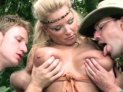 Mamazon Rachel Gets A Jungle Threesome - ScoreLand