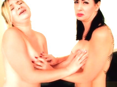 Girls cat fight over remote control Fifi Foxx and Nyxon body controlled
