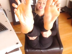 Toe Spread & Foot Worship - SuperTrip Video