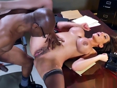 Brazzers - Ariella Ferrera - Milfs Like It Big