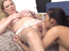 18 Years Old Mommy In Bed - Lesbian Porn