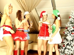 Cfnm Christmas Teens Cocksucking In Groupsex