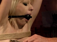 Dirty babe Isabell Cat enjoys in bdsm session