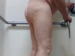 Pee masturbation in the shower wash