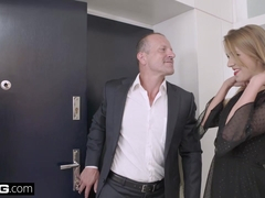Alexis invites a random stranger into her apartment to fuck