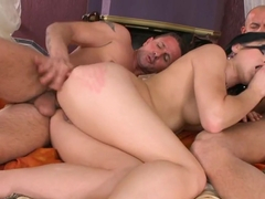 Lucy Belle suck a hard dick while riding another one