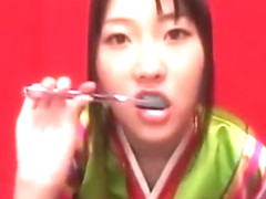 CUM BRUSHING 65