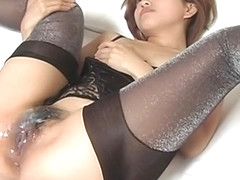 Japanese babe Gets A Massive Load Of Cum