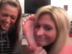 chatroulette girls feet!!!!