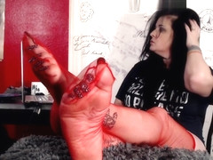 Red Stocking Wrinkled Soles Toe Curling Long Nails