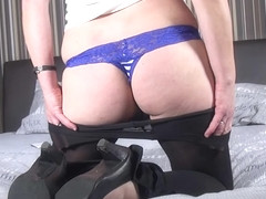 Belgian Mature Lady Playing With Herself - MatureNL