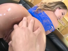 NYMPHO Big booty Lily Love gets a hard pounding