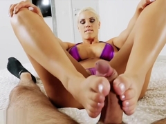 BLANCHE BRADBURRY FOOTJOB