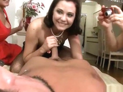 Double blowjob from pretty hotty