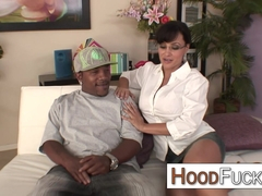 MILF Lisa Ann interracial