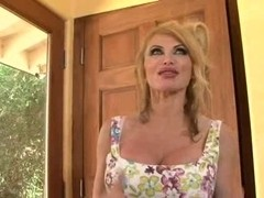 Super Sexy mother I'd like to fuck Taylor Wane two