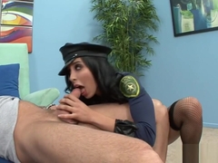 Policewoman Lacey Cruz Eats And Slams Her Prisoner