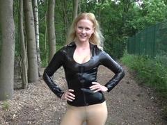 Xxx Hot naked babe video