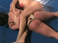 Isamar Vs Daisy Part 1 (Female wrestling)