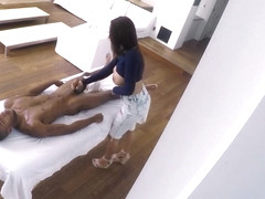 Boobs masseuse wanked ... member of the Negro and planted on top of hi...