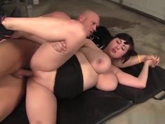 Bbw Brunette Beverly Paige Screwed And Facial Cumshot In Gym