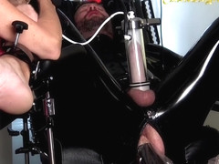 Penetrated by Queen Jennifer Carter and Carmen Rivera: Brainfucked - KINK