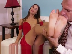 Goddess Foot Worship – Tara Ashley