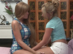 Darla Crane & Tweety Valentine in Mother Daughter Exchange Club #14, Scene #02 - GirlfriendsFilms