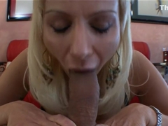 Isabella Rossa adores giving head!
