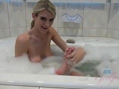 ATKGirlfriends video:  Amanda Tate shows off her stunning body