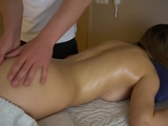Teen girlfriend gets sensual massage