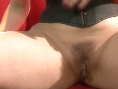 Evie Delatosso Rubs Her Pussy Until She Cums - Upox