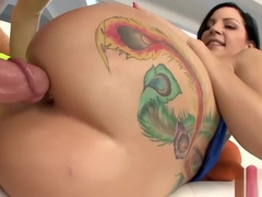 Tori Lux gets her asshole pounded