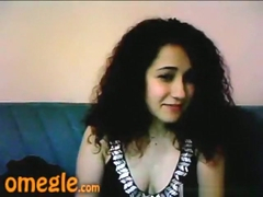 Curly haired cutie only wants 1 thing. break the omegle sex game highscore !!!