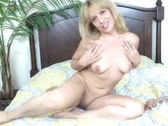 Blonde Stevie Lix Loves The Camera And A Toy - Baberotica