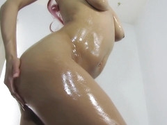 Perfect Body Amateur Strips Down And Oils Up
