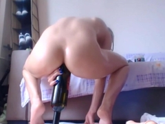 HORNY MILF CAMGIRL ANAL BOTTLE AND FIST