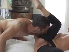 Mellow experienced lady Sheena Ryder in blowjob video
