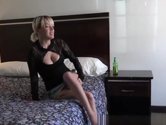 Kissy Capri - Busty Blonde cant hold it