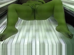BBW fat Girl masturbates in Live Voyeur solarium.tv