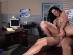 Admirable busty secretary Jayden Jaymes is getting a nice cumshot