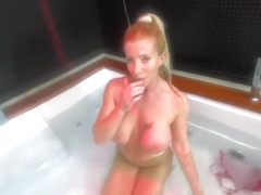Lara De Santis - homemade spreading bobs and pussy underwater in jacuzzi
